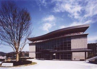 鳴和台市民体育会館