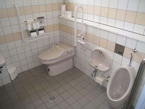 戸室スポーツ広場 多目的トイレ